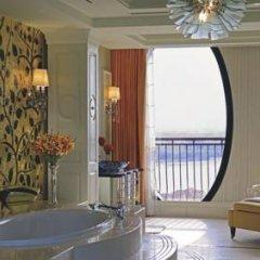 Отель The Ritz-Carlton Abu Dhabi, Grand Canal 5* Президентский люкс с различными типами кроватей