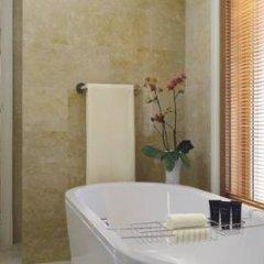 Отель The Ritz-Carlton Abu Dhabi, Grand Canal 5* Стандартный номер с различными типами кроватей фото 12