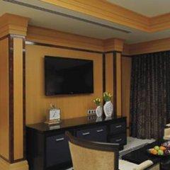 Отель The Ritz-Carlton Abu Dhabi, Grand Canal 5* Люкс с различными типами кроватей