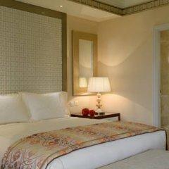 Отель The Ritz-Carlton Abu Dhabi, Grand Canal 5* Стандартный номер с различными типами кроватей