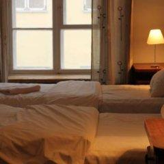 Отель Tabinoya - Tallinn's Travellers House Стандартный номер с двуспальной кроватью