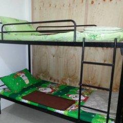 Отель Budget Traveller Inn Кровать в общем номере фото 3