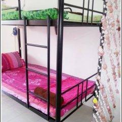 Отель Budget Traveller Inn Кровать в общем номере фото 4