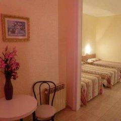 Отель Hostal Iznajar Barcelona Стандартный номер с различными типами кроватей фото 8