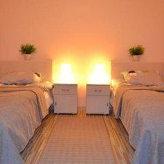 Hostel Gdańsk Sun and Sea Стандартный номер с двуспальной кроватью (общая ванная комната)