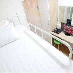 Отель K-POP GUESTHOUSE Seoul Station 2* Стандартный номер с 2 отдельными кроватями фото 6
