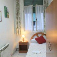 Отель Hostal Faustino Стандартный номер с 2 отдельными кроватями (общая ванная комната) фото 6