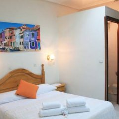 Отель Hostal Faustino Стандартный номер с двуспальной кроватью фото 4
