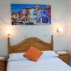 Отель Hostal Faustino Стандартный номер с двуспальной кроватью фото 11
