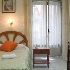 Отель Hostal Faustino Стандартный номер с различными типами кроватей (общая ванная комната) фото 7