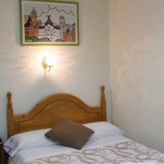 Отель Hostal Faustino Стандартный номер с двуспальной кроватью фото 3