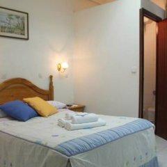 Отель Hostal Faustino Стандартный номер с двуспальной кроватью