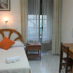 Отель Hostal Faustino Стандартный номер с различными типами кроватей (общая ванная комната) фото 2