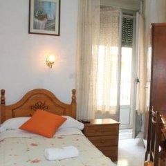 Отель Hostal Faustino Стандартный номер с различными типами кроватей (общая ванная комната)