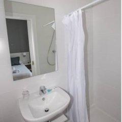 Отель Hostalin Barcelona Gran Via 3* Стандартный номер с различными типами кроватей фото 6