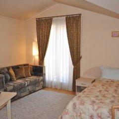 Гостиница Rose B&B Стандартный семейный номер с двуспальной кроватью (общая ванная комната)