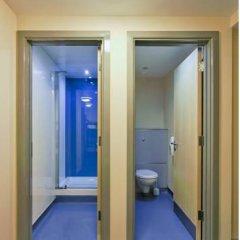 Отель YHA London St Pancras Кровать в мужском общем номере с двухъярусной кроватью