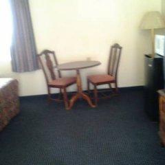Отель Budget Inn 2* Стандартный номер с различными типами кроватей фото 5