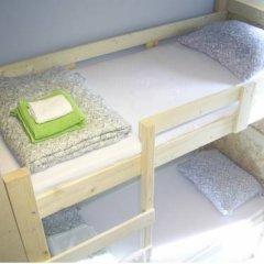 Fabrika Hostel Кровать в общем номере фото 9