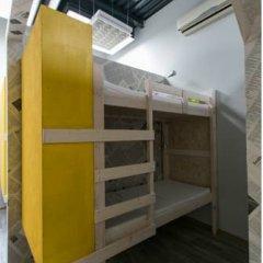 Fabrika Hostel Кровать в общем номере фото 10