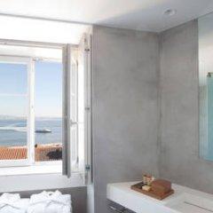 Отель Memmo Alfama 4* Улучшенный номер с различными типами кроватей фото 7