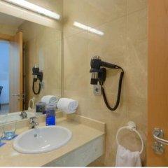 Отель Tryp Madrid Airport Suites 3* Стандартный номер с различными типами кроватей фото 3