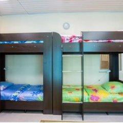 Хостел Амигос Кровать в общем номере с двухъярусной кроватью