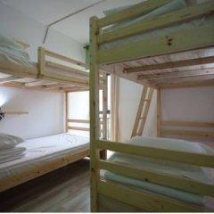 Freeguys Hostel Кровать в общем номере с двухъярусной кроватью