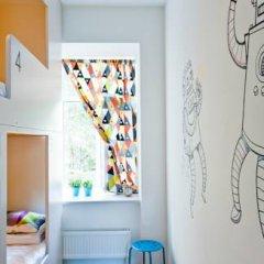Хостел Graffiti L Кровать в мужском общем номере с двухъярусной кроватью фото 11