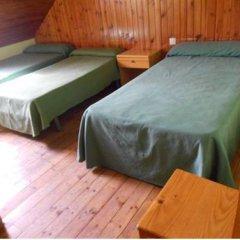 Отель Alberg Toni Sors Кровать в общем номере двухъярусные кровати