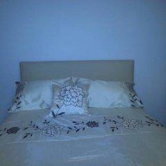 Отель Apple House Guesthouse Wembley 4* Стандартный семейный номер с различными типами кроватей (общая ванная комната) фото 4
