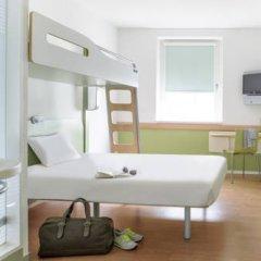 Отель ibis budget Zurich City West Стандартный номер с различными типами кроватей фото 4