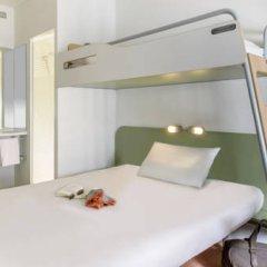 Отель ibis budget Zurich City West Стандартный номер с различными типами кроватей фото 3