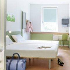 Отель ibis budget Zurich City West Стандартный номер с различными типами кроватей фото 5