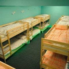 Fine O'Clock Hostel Кровать в общем номере фото 27