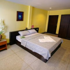 Sri Krungthep Hotel 2* Улучшенный номер с различными типами кроватей