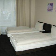 Hotel Saks Berlin 2* Стандартный номер с двуспальной кроватью (общая ванная комната) фото 6