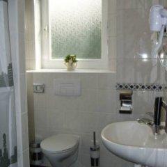 Hotel Saks Berlin 2* Стандартный номер с различными типами кроватей фото 5