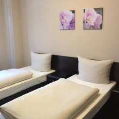 Hotel Saks Berlin 2* Стандартный номер с двуспальной кроватью (общая ванная комната) фото 2