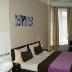 Hotel Saks Berlin 2* Стандартный номер с двуспальной кроватью (общая ванная комната)