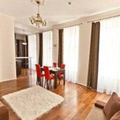 Отель Domus 247 - Traku Семейные апартаменты с двуспальной кроватью