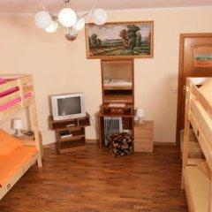 Hostel Akteon Lindros Kaliningrad Кровать в женском общем номере с двухъярусной кроватью фото 4
