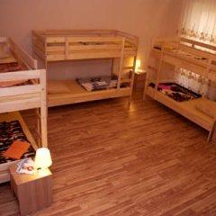 Hostel Akteon Lindros Kaliningrad Кровать в общем номере с двухъярусной кроватью