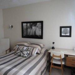 Отель Manoir dYouville 2* Стандартный номер с двуспальной кроватью (общая ванная комната) фото 3