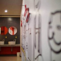 Отель S1hostel Bangkok Кровать в общем номере фото 2