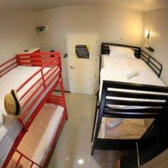 Отель S1hostel Bangkok Кровать в общем номере фото 5
