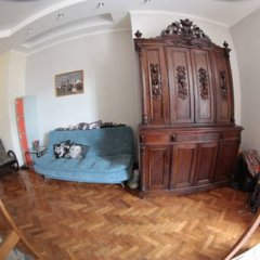 Санни Хостел Кровати в общем номере с двухъярусными кроватями