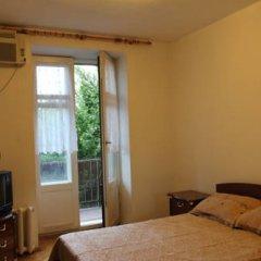 Гостиница Guest House Amelie Стандартный номер с двуспальной кроватью (общая ванная комната) фото 3