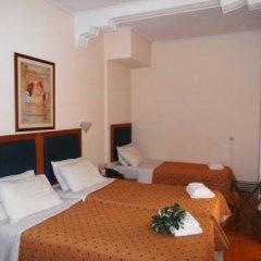 Adams Hotel 2* Стандартный семейный номер с двуспальной кроватью