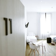 Отель Som Nit Born Стандартный семейный номер с различными типами кроватей фото 4